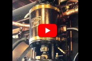 Standbild aus YouTube-Clip: Oberer Teil der Luftpumpe der C 5/6 2969, Testlauf mit Druckluft gefilmt am 13.08.2016   Bild: H.U. Kneuss / YouTube
