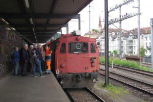 Die Mitglieder des Rettungscorps St. Gallen beim Besuch des in St, Gallen stationierten Lösch- und Rettungszuges, kurz LRZ. 04.06.2016 | Bild: H.U. Kneuss