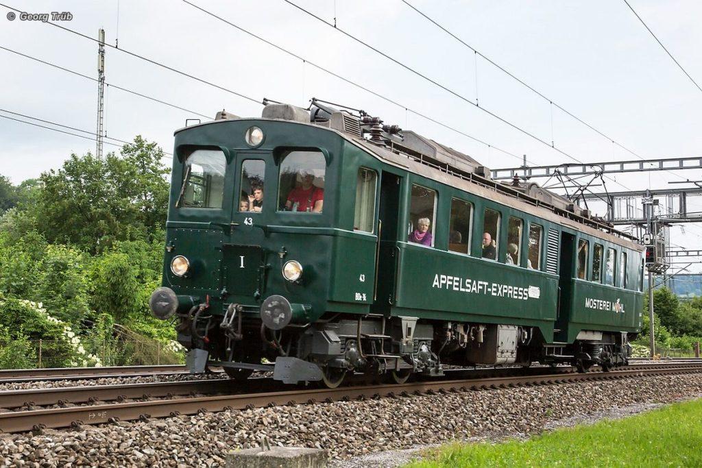BDe 3/4 43 «Apfelsaft-Express» unterwegs auf einer Gesellschaftsfahrt am 16. Juni 2016. Bild: Georg Trüb