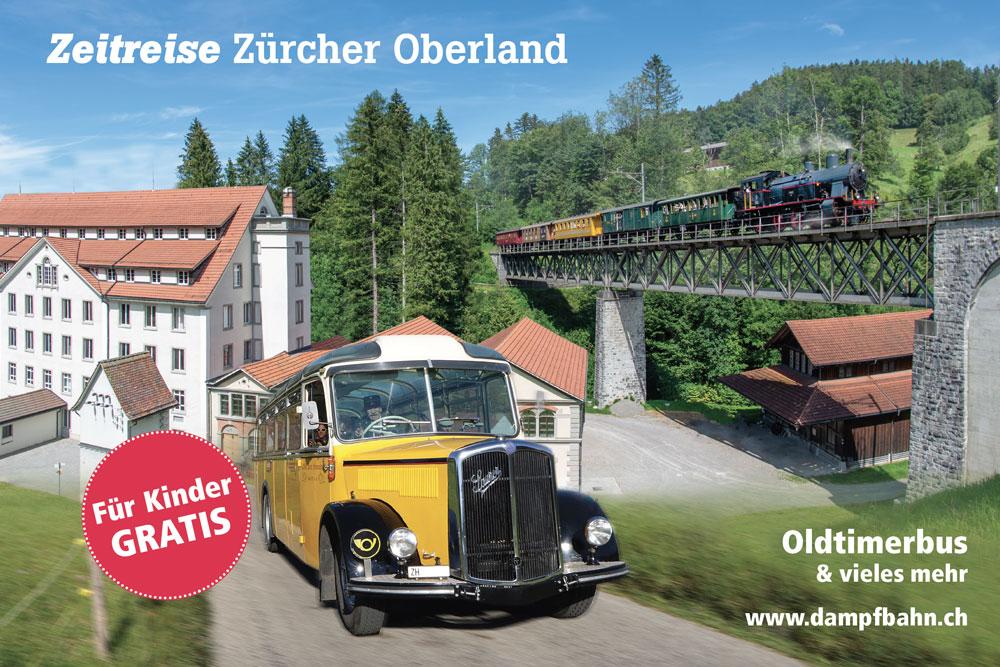 """Industriegebäude und Stahlträgerbrücke mit einem Dampfzug, ein gelbes Postauto braust einem entgegen: Werbung für die DVZO-Fahrten """"Zeitreise Zürcher Oberland"""""""